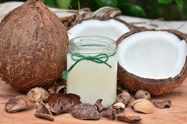 стрии кокосово масло