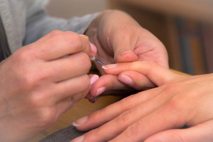 гризането на нокти