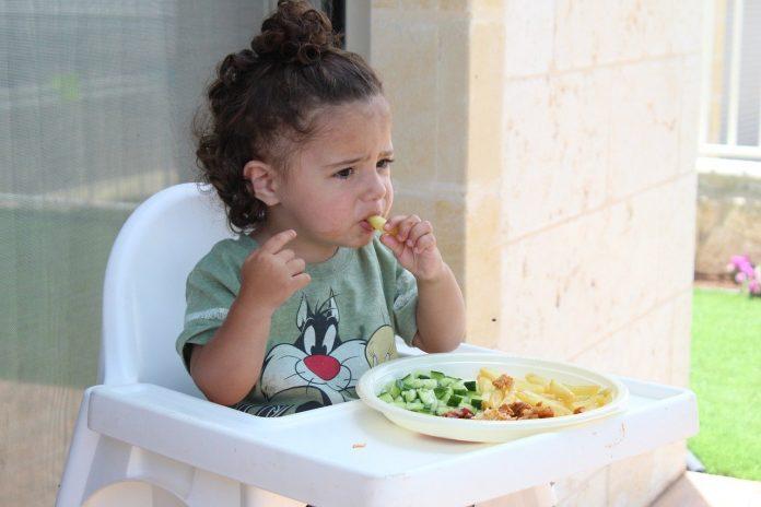 детското хранене
